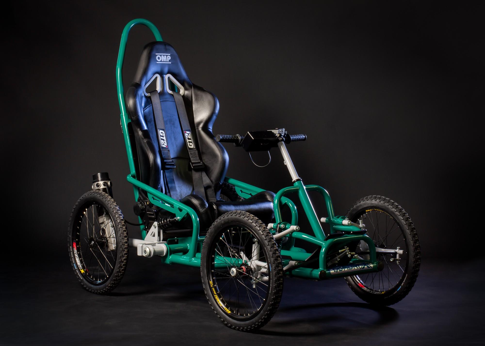 modèle Access marque quadrix fauteuil sportif pmr