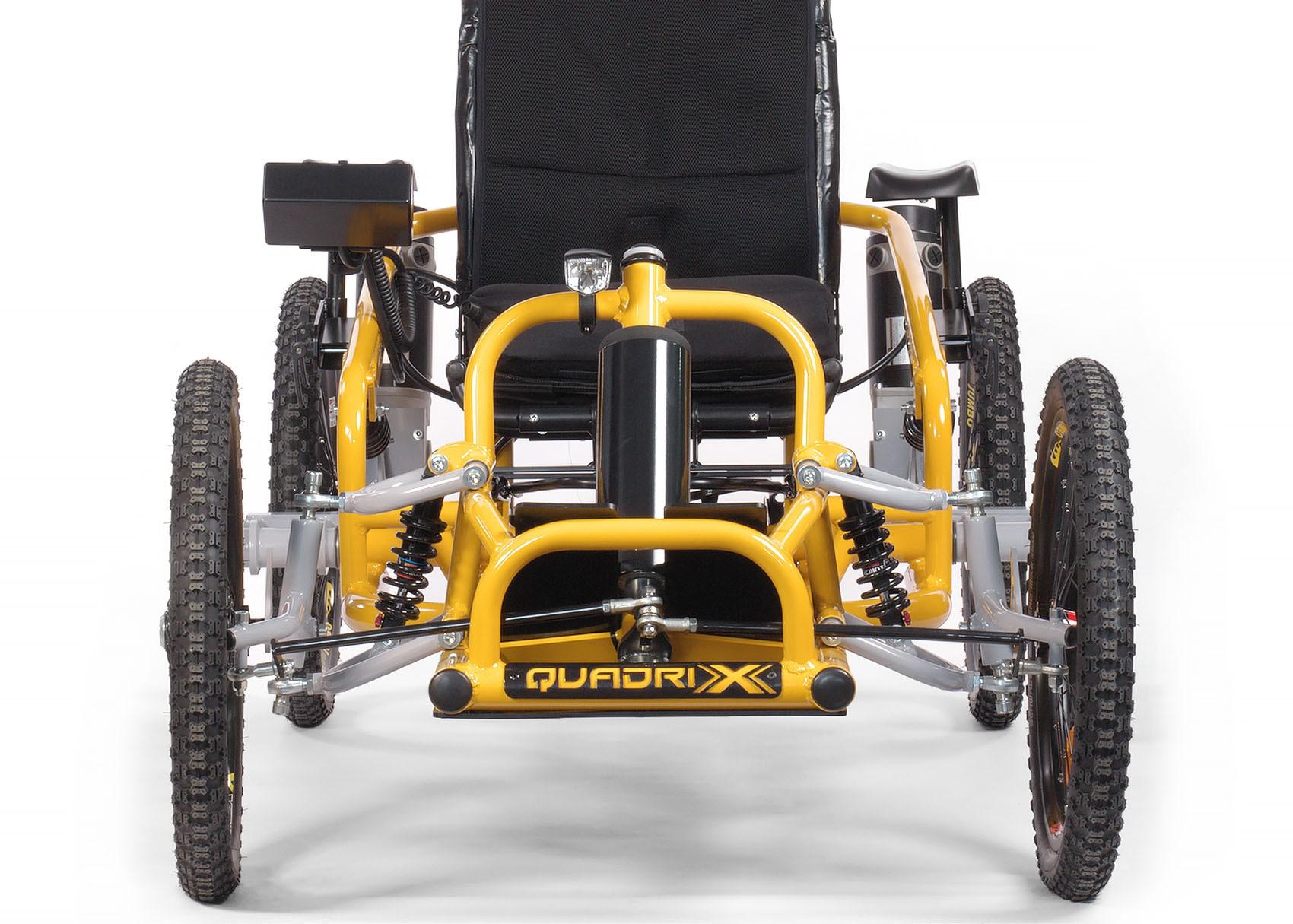 Fauteuil personne à mobilité réduite quadrix