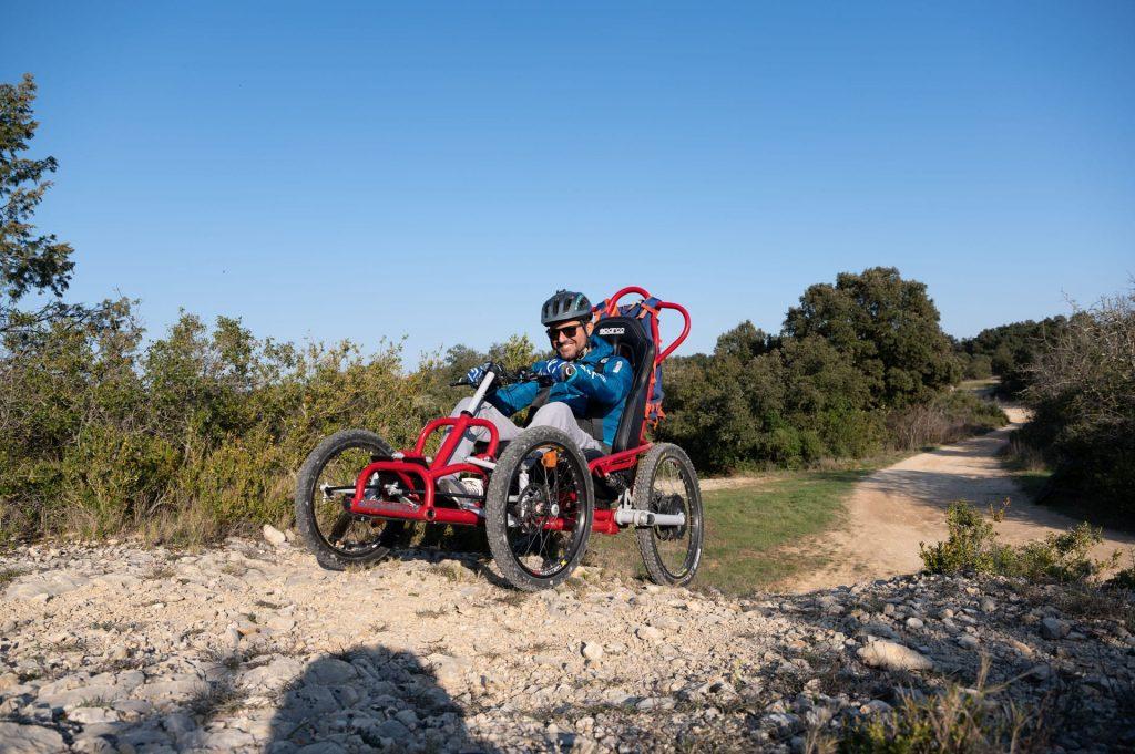 Geländerollstuhl für Menschen mit eingeschränkter Mobilität Quadrix